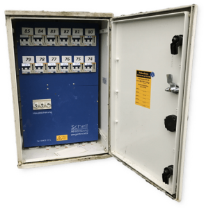 Stromverteiler mit verdeckt integrierter Fernauslese